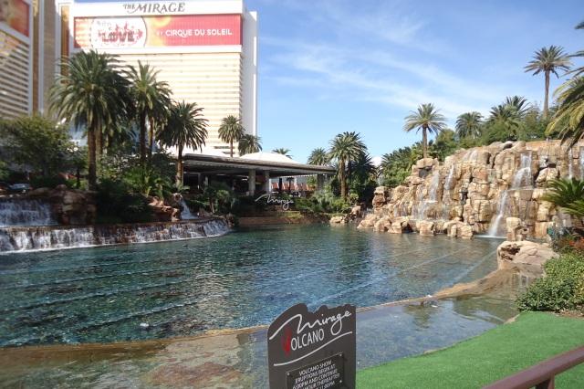 passeie pelos hotéis mais legais de las vegas the mirage