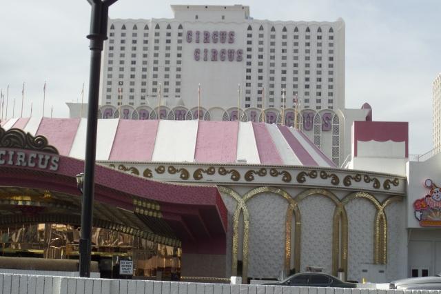 passeie pelos hotéis mais legais de las vegas circus circus